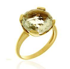 MILANO 14 Ref: 37977 Sortija realizada en oro amarillo. Una prassiolita, engastada por cuatro garras planas, es el centro de esta pieza.