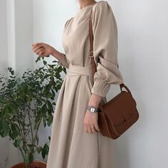Belted midi dress minimalist Source by oakandmelanin Dresses Abaya Fashion, Fashion Mode, Muslim Fashion, Minimal Fashion, Modest Fashion, Look Fashion, Korean Fashion, Fashion Dresses, Womens Fashion