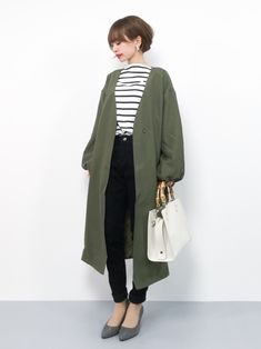 30 hottest winter outfits cold ideas to wear right now Workwear Fashion, Fashion Moda, Fashion Outfits, Womens Fashion, Japanese Outfits, Japanese Fashion, Asian Fashion, Short Girl Fashion, Cute Fashion