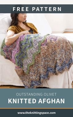 This Outstanding Olivet Knitted Afghan is a gorgeous home decor to spruce up your interior. It features a stunning pattern that will make your space stand out easily. It's easy, beginner-friendly, and a brilliant housewarming gift idea.   Discover over 5,500 free knitting patterns at theknittingspace.com #knitpatternsfree #easyknittingprojects #DIY #howtoknitblankets All Free Knitting, Winter Knitting Patterns, Dishcloth Knitting Patterns, Knitted Afghans, Knitted Throws, Knit Patterns, Easy Knitting Projects, Knitting For Beginners, Knitting Ideas