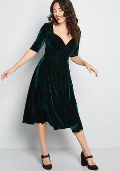 9bf1f2eeaa Collectif x MC Vixen Match Velvet Midi Dress