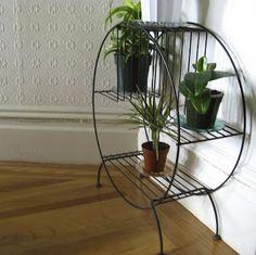 atomic fantasy: Vintage Plant Stand
