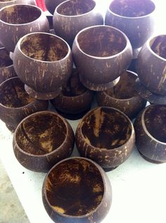 This listing is for 1 real coconut cup from Hawaii. Aloha Party, Luau Party, Coconut Shell Crafts, Coconut Cups, 1 Real, Cafe Menu, Party Drinks, 21st Birthday, Wonderful Things