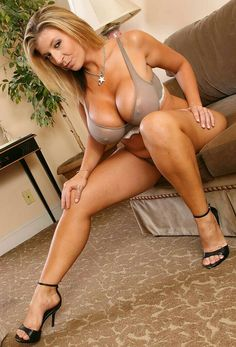 Slim Big Titted Brunette Milf In Tight Jeans Cheryl Conner