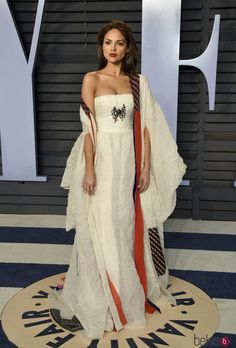 Eiza González Latina, Vanity Fair Oscar Party, Lovely Legs, Red Carpet Looks, Gal Gadot, Red Carpet Dresses, Red Carpet Fashion, Pretty Outfits, Dytto