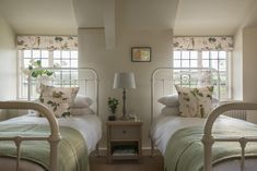 Set between the yachting havens of Kingsbridge and Salcombe, Dusky Cottage sits on a country lane leading down to Hope Cove. Push open the sky-blue gate and you'll be smitten; this luxury thatched cottage is sure to capture the hearts of all the family. Cottage Shabby Chic, Country Cottage Interiors, Country Decor, Boudoir, Luxury Holiday Cottages, Guest Bedrooms, Cottage Bedrooms, Country Cottage Bedroom, Cottage Curtains