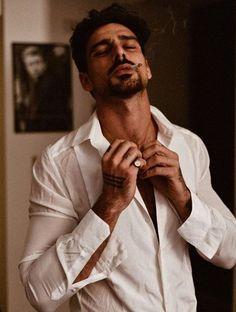 Hot Guys Smoking, Man Smoking, Surf Girls, Hottest Guy Ever, Just Beautiful Men, 365days, Italian Men, Fine Boys, Men Photography