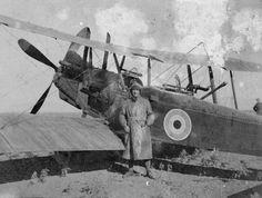 BRITISH AIRCRAFT FIRST WORLD WAR (Q 67951)   Royal Aircraft Factory R.E.8 two seat corps reconnaissance biplane, fitted with a Davis gun.