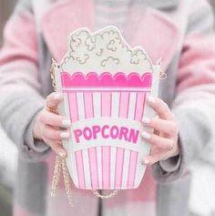 Купить товар Горячая мода личности вышитые буквы попкорн форма сеть сумка сумка женская сумочка кошелек клатч 5 цветов в категории Сумки на плечо на AliExpress. Материал-пу Размер: L14cm * W5cm * H25cm С длинной цепи ох!