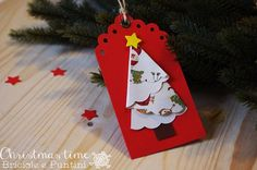 5 giorni a Natale: tag chiudipacco con alberelli di carta (via Bloglovin.com )