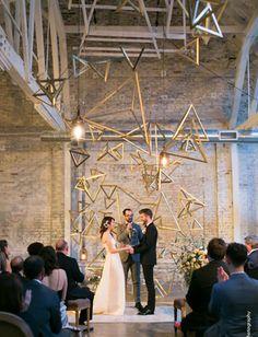 30 фонов и арок для зимней церемонии в помещении - The-wedding.ru