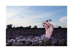 Sara De Blasi - Make Up Artist  lavander mood with silver hair and hair brush androgynous make up