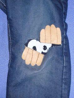 qué hacer con unos vaqueros rasgados - cute idea for a patch on kids clothing! Jean Crafts, Denim Crafts, Sewing Projects For Kids, Sewing For Kids, Sewing Clothes, Diy Clothes, Sewing Jeans, Sewing Hacks, Sewing Crafts