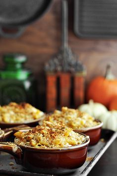 pumpkin mac 'n' cheese w/ penne, butter, all purpose flour, whole milk, dijon, black pepper, thyme, onion & garlic powders, paprika, pumpkin purée, cheddar, gruyère, parmesan, fontina & sage breadcrumbs (butter, fresh sage, panko & plain breadcrumbs)