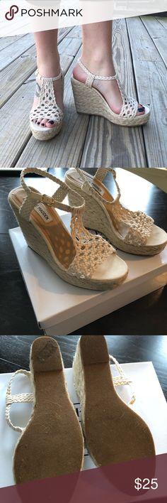 """Steve Madden shoes Summer crochet wedges. Great condition, comes with original box. 4.5"""" heel, 1"""" platform. Steve Madden Shoes Wedges"""