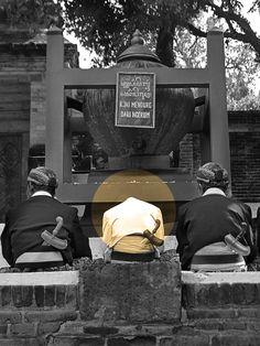 """Photograhy : Event """"Bersih Gentong"""", at Makam Imogiri, Yogyakarta, Indonesia"""