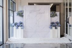 A simply gorgeous wedding backdrop by #Fordeara