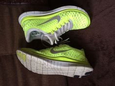 Fluro Yellow ladies Nike 3.0 running shoes size 7/38