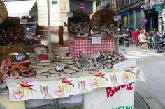 Primera parada, la creperie – Colores y sabores locales en el mercado de Bayona