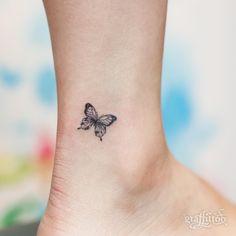 "5,073 Likes, 26 Comments - 타투이스트 리버의 그라피투 (@graffittoo) on Instagram: ""Small butterfly :) - #타투 #그라피투 #타투이스트리버 #디자인 #그림 #디자인 #아트 #일러스트 #tattoo #graffittoo #tattooistRiver…"""