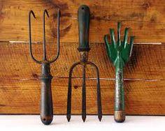 new and antique garden tools - Google Search Old Garden Tools, Garden Tool Shed, Farm Tools, Old Tools, Gardening Tools, Mailbox Garden, Garden Ideas, Container Gardening, Garden Tool Organization