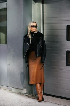 coat and dress outfit longue hiver marron Mode Outfits, Fashion Outfits, Womens Fashion, Fashion Trends, Casual Fall Outfits, Winter Outfits, Stylish Outfits, Looks Chic, Winter Skirt