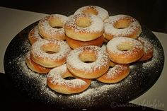 Gogosi pufoase la cuptor Pasta, Bagel, Doughnut, Deserts, Food And Drink, Bread, Cookies, Food For Kids, Crack Crackers