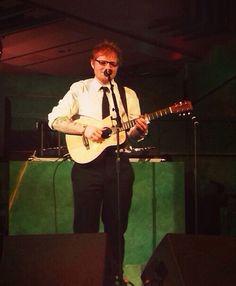 Ed sheeran performing at the desolation of Smaug after party