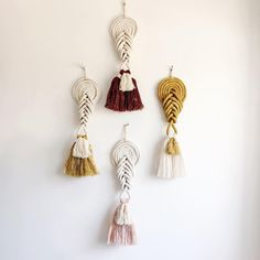 New knots coming with me this weekend to the Home Pop Up at Prism Boutique & ➰Available for online purchase More new… Modern Macrame, Macrame Art, Macrame Projects, Yarn Projects, Pop Up, Macrame Earrings, Knot Necklace, Diy Arts And Crafts, Boho Diy