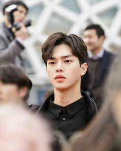 Song kang (sun oh) he so handsome😍 Love alarm Netflix drama Korean Male Actors, Handsome Korean Actors, Asian Actors, Handsome Boys, Song Kang Ho, Sung Kang, My Love Song, Love Songs, Hot Actors