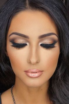 Luce la tendencia en #ojos #Bronzed #Natural #Makeup #Maquillaje #nudes