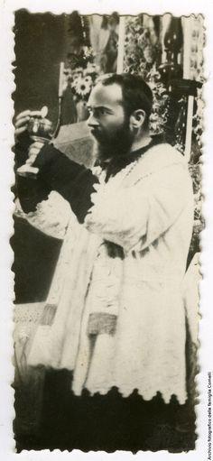 FT0018 | Ritratto di padre Pio da Pietrelcina | Una città per gli archivi