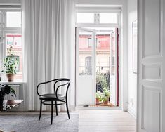 Scandinavian-Home-Tour-White-Livingroom-Styling-Decor