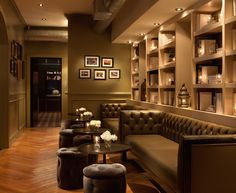 Would love to create these wall bookshelves in my living room. Location: The Library at the Redbury 1717 Vine St., LA, CA 90028 Library Bar, Library Design, Hollywood Hotel, Hollywood Boutique, Kitchen Bar Counter, Partition Design, Wall Bookshelves, Hotel California, Creature Comforts