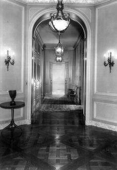 Bellosguardo: Circa 1940 — Empty Mansions, the No. 1 bestselling biography of reclusive heiress Huguette Clark and her family