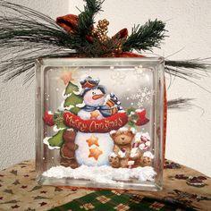 Merry Christmas Glass Block dipinto a mano da un progetto di Holly Hanley