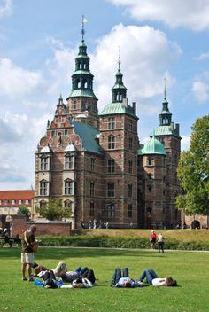 Castles of the world | Photo of the Day - Copenhagen, Denmark | Round the World in 30 Days