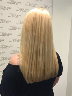 Beach blonde with highlights bold cut by Marie @perfectcolorworld Germany Köln Ebertplatz