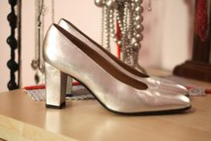 SELLING ON Bigcartel.com Silver shoes in leather, size 38.