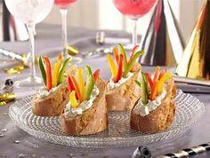 Mini Bread & Veggie Bowls