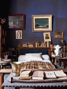 bedroom of a writer