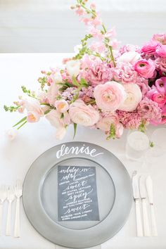 Beautiful Valentine's Day table setting | theglitterguide.com