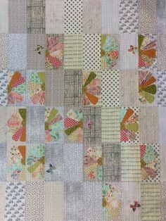 Zinnia Quilt Kit by Laura Heine - 0 Lap Quilts, Panel Quilts, Mini Quilts, Scrappy Quilts, Quilting Projects, Quilting Designs, Quilting Tips, Machine Quilting, Dresden Quilt