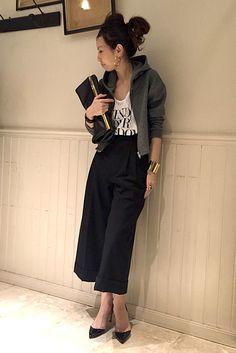 L'Appartement DEUXIEME CLASSE スナップNo6936 メインカット Fashion Books, Love Fashion, Fashion Outfits, Womens Fashion, Tokyo Street Style, Street Chic, Gaucho, Korean Fashion Work, Japan Fashion