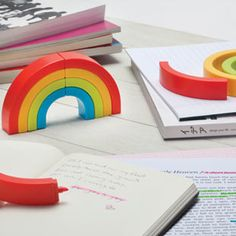 Rainbow Highlighters - Rainbow highlighters will color your messages and   cheer up your workplace. Ideal for home, office or school use.    A colorful way to leave your mark!