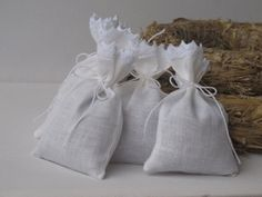 White Linen Favor Bags  Etsy seller: FlorArtSilva