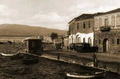 Sağdaki binanın yerinde bugün Büyükşehir Belediye Binası var, Konak, 1910'lar... Old City, Istanbul, City Photo, Old Things, History, Architecture, Travel, Painting, Twitter