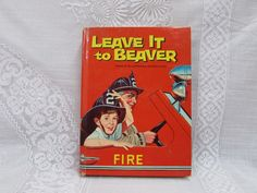 Leave It To Beaver Fire 1962 Hardcover Book   Children's TV Show Book   Vintage Book For Children - Etagere Antiques, Vintage, Collectibles