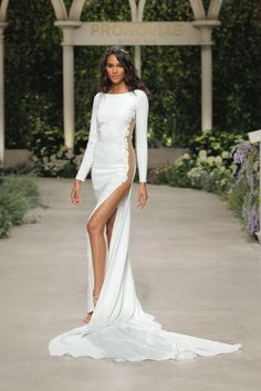 White bride dresses. All brides dream about finding the perfect wedding day, but for this they require the perfect bridal dress, with the bridesmaid's outfits enhancing the wedding brides dress. The following are a number of ideas on wedding dresses.