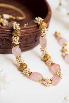 Kushal Jewellery Near Me half Gold Jewellery Necklace Image so Jewelry Loan Store Near Me into Gold Jewelry Set Prices at Jewellery Redesign Near Me Gold Jewellery Design, Bead Jewellery, Stone Jewelry, Pearl Jewelry, Indian Jewelry, Wedding Jewelry, Beaded Jewelry, Beaded Necklace, Gold Jewelry